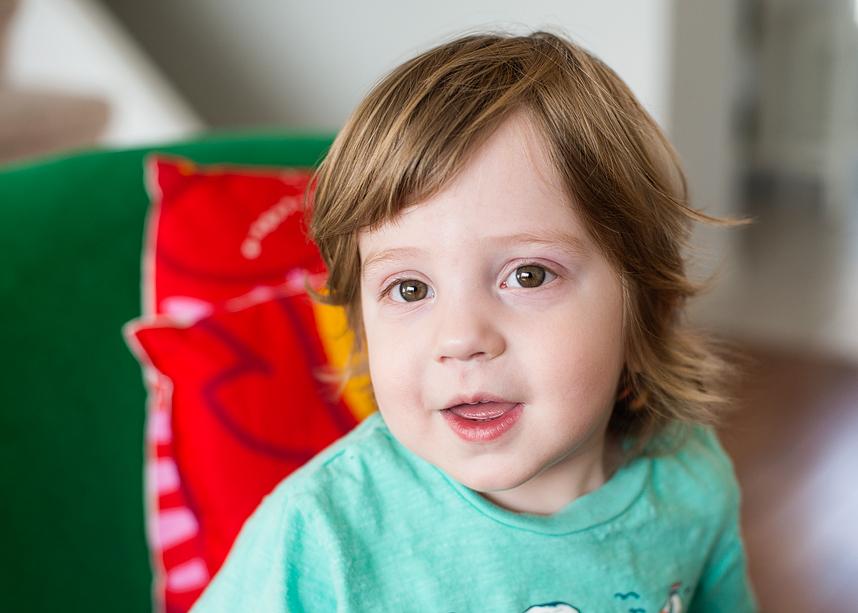 toddler photographer in calgary